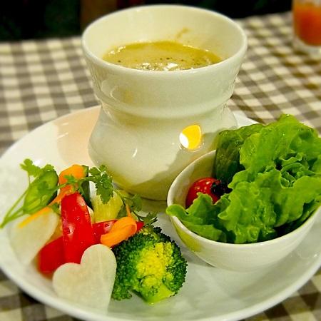 バーニャカウダー,季節の野菜,ビストロ,新宿