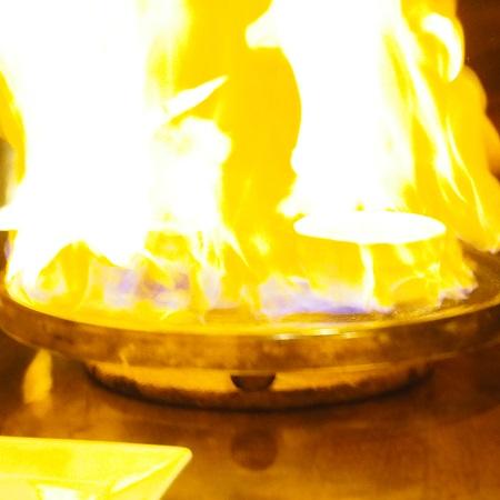 Tokyo Cuisine & Wine 房's (ボウズ),グラスシャンパン,スパークリングワイン,水晶の鉄板ステーキ,新宿ワインバー,新宿レストラン,サプライズケーキ,サプライズ演出