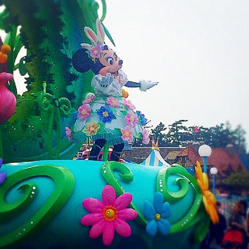 ディズニーランド,ミニーマウス,ミッキーマウス,ディズニーパレード,イースターパレード