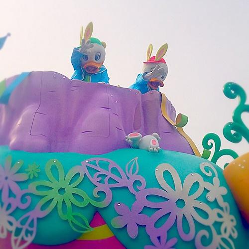 ディズニーランド,ミニーマウス,ドナルドダッグ,ディズニーパレード,イースターパレード