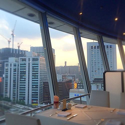 銀座スカイラウンジ,回転レストラン,回転するレストラン,回転レストラン銀座,回転レストラン東京,東京交通会館,東京會舘,80分で1周するレストラン