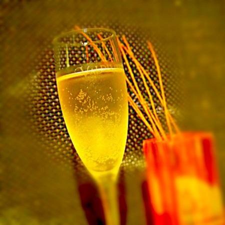 シャンパン,梅酒,ワインバー