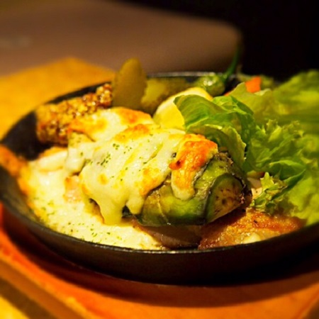 四元豚,アボカド,肉料理,新宿居酒屋,新宿レストラン