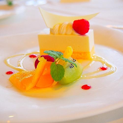 銀座スカイラウンジ,回転レストラン,回転するレストラン,回転レストラン銀座,回転レストラン東京,東京交通会館,オレンジムースケーキ,パティシェスイーツ,デザートプレート